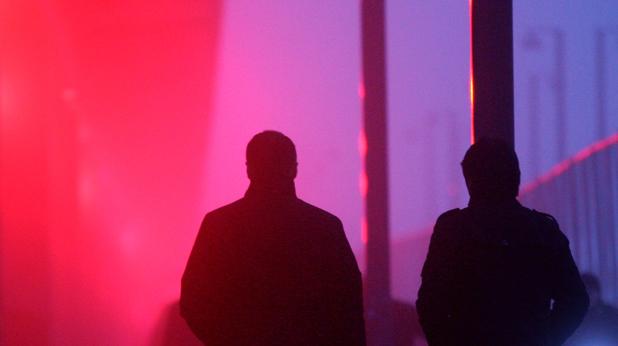 Двама - на червена светлина