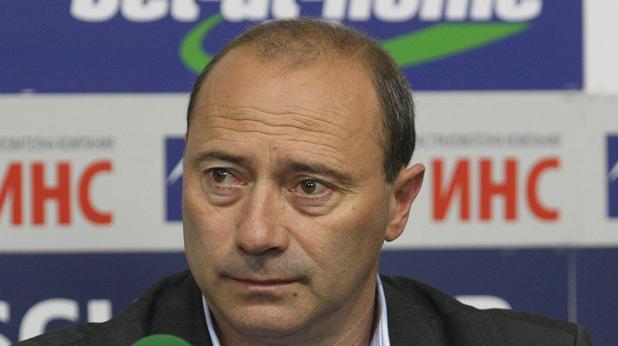 Емил Велев