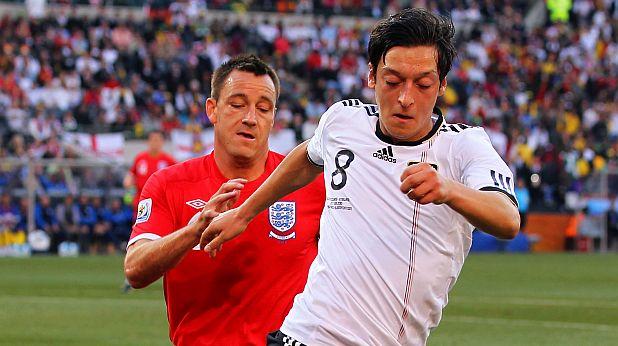 Йозил на осминафинала Германия - Англия 4:1