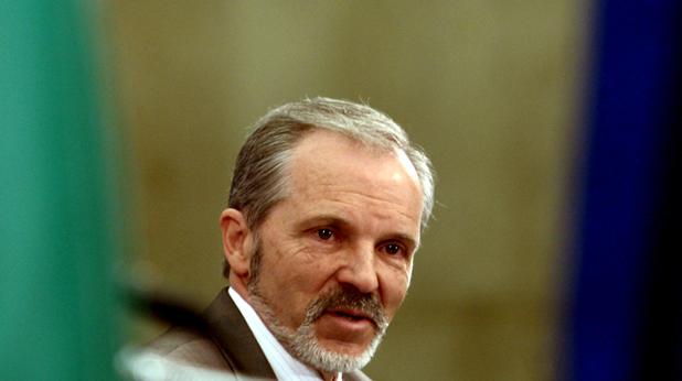 Борислав Великов