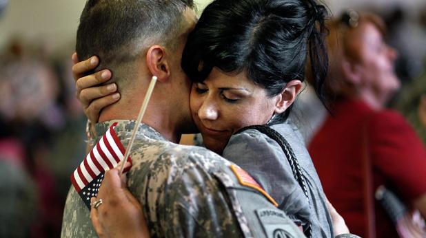 Американски войник посрещане у дома