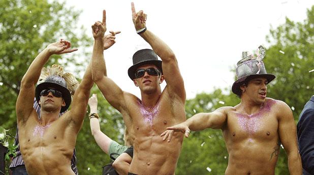 мъже, танци