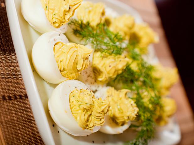 Пълнени яйца с авокадо