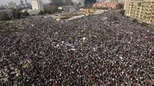 """2 млн. египтяни протестират на площада """"Тахрир"""" в Кайро"""