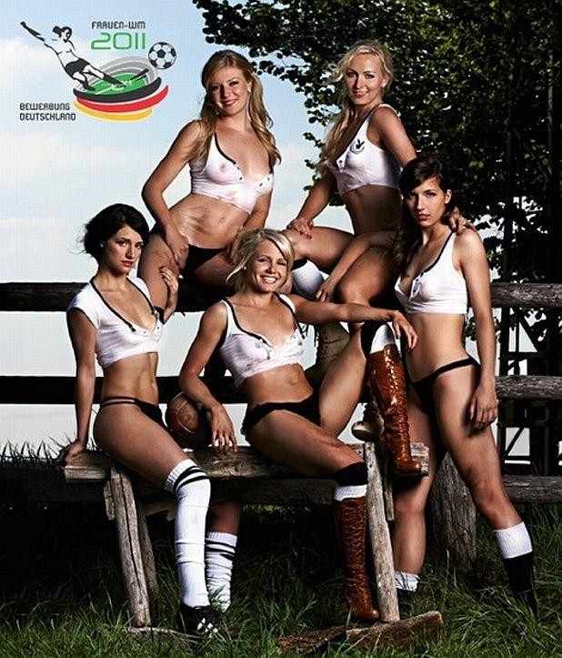 Женският национален отбор по футбол на Германия за Playboy