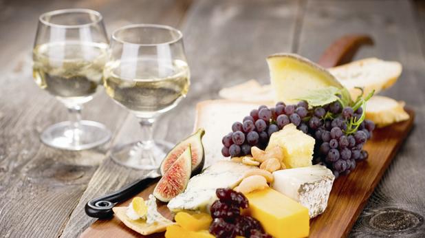Вино и плодове