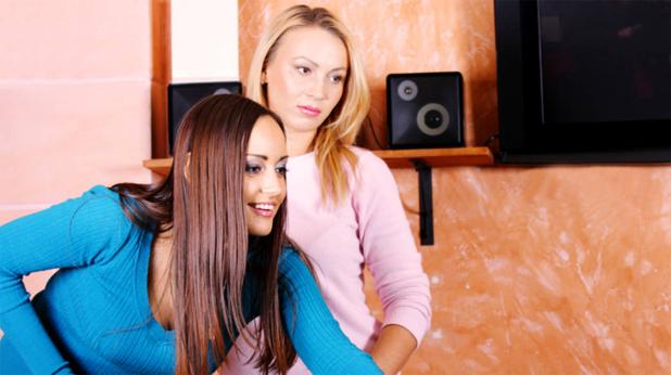 Две жени