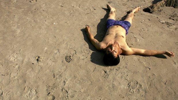плаж, мъртвец