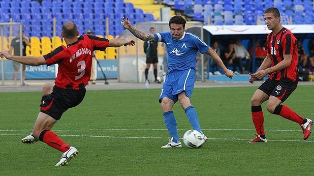Христо Йовов вкара два гола за победата на Левски над Локомотив (София)