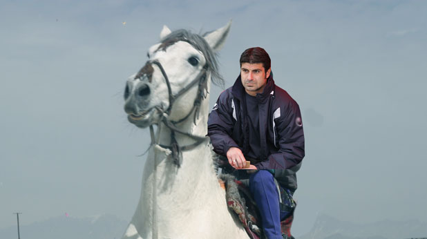 Гонзо на бял кон