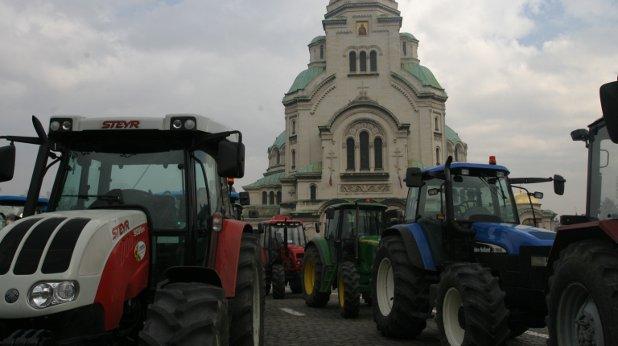 трактори, протести