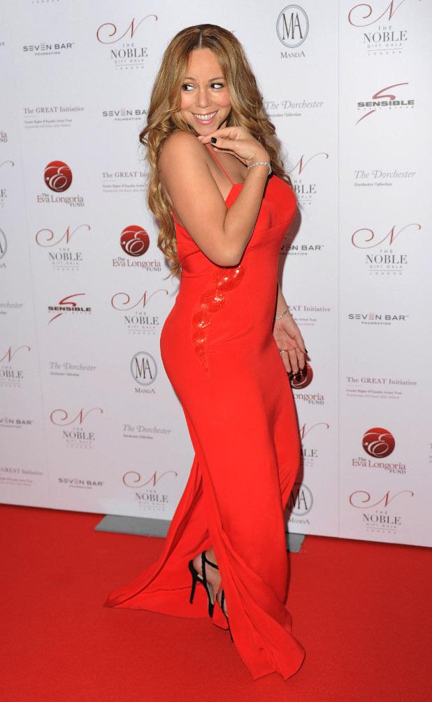 червена рокля, марая кери