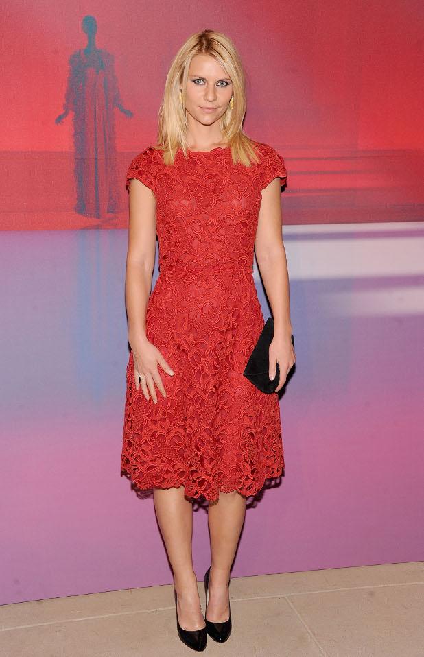 Claire Danes,червена рокля