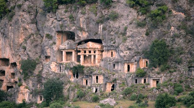 Градът на Чудотвореца - Пинара