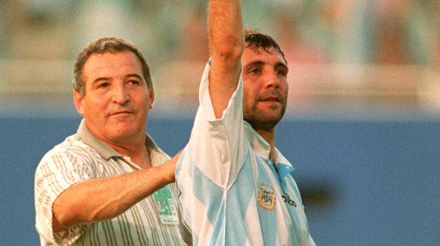 Христо Стоичков и Димитър Пенев празнуват победата на България над Аржентина с 2:0 на Мондиал 1994 в САЩ