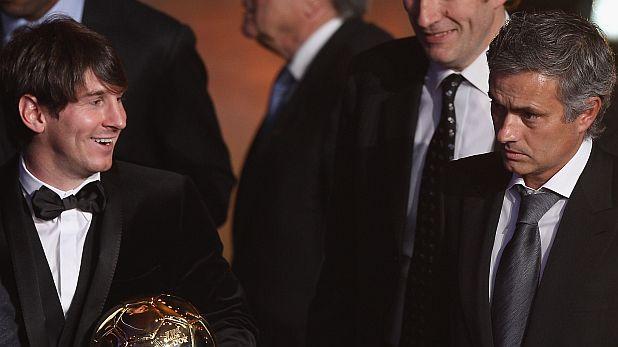 """Лионел Меси със """"Златната топка"""" и Жозе Моуриньо с наградата за най-добър треньор през 2010"""