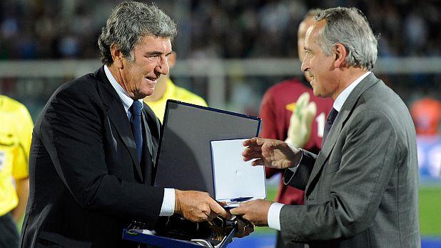 Дино Дзоф получава почетен знак за 112-те си мача за Италия