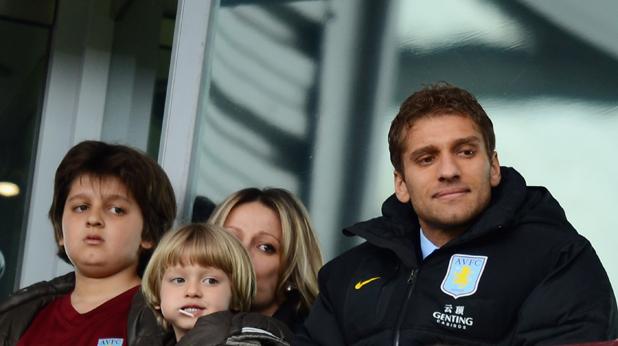 Стилиян Петров със семейството на мача с Челси