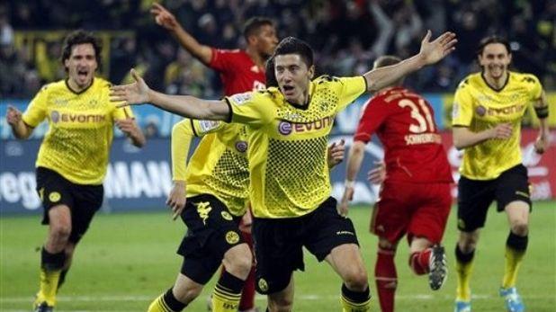 Роберт Левандовски отбеляза победния гол в Борусия (Дортмунд) - Байерн, завършил 1:0 на 11 април 2012