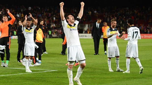 Франк Лампард и съотборниците му от Челси се радват след епичния полуфинал в Барселона, завършил 2:2 и класирал ги за финала на Шампионската лига