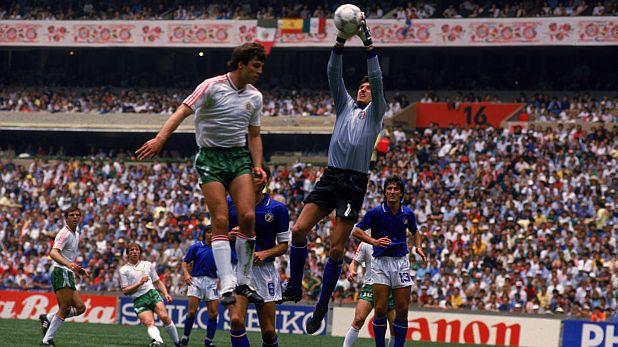 Наско Сираков отбеляза гола за България във вратата на Джовани Гали при равенството 1:1 с Италия в мача на откриването Мондиал'86 в Мексико