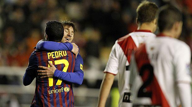 Педро и Лионел Меси вкараха по два гола при победата на Барселона със 7:0 като гост на Райо Валекано на 29 април 2012