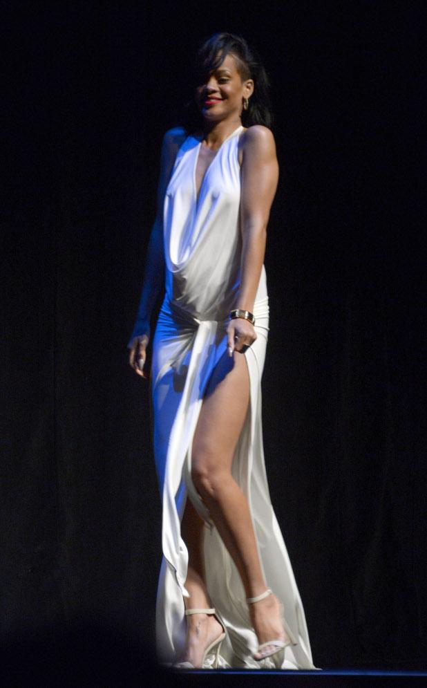 риана, рокля