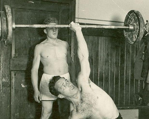 Вдигане на тежести с една ръка