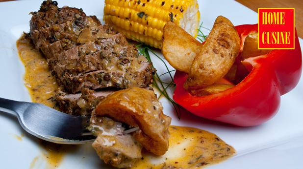 свинско с коричка от подправки и печена царевица