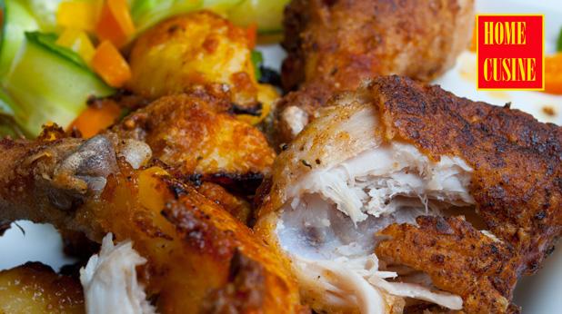 хрупкави пилешки бутчета и картофи с коричка от пармезан