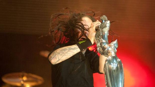 Korn, Джонатан Дейвис