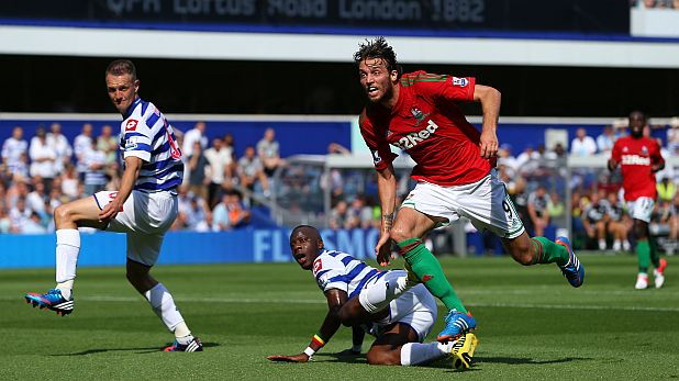 Мичу вкара два гола за Суонзи при разгрома с 5:0 като гост на Куинс Парк в Лондон на 18 август 2012
