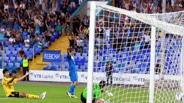 Симеон Райков вкара два гола за победата на Левски с 3:1 над Ботев (Пловдив) на 19 август 2012