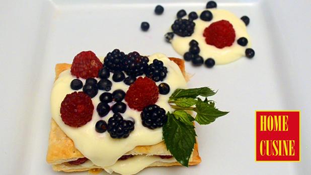 Десерт с бутер тесто, ванилов крем и горски плодове