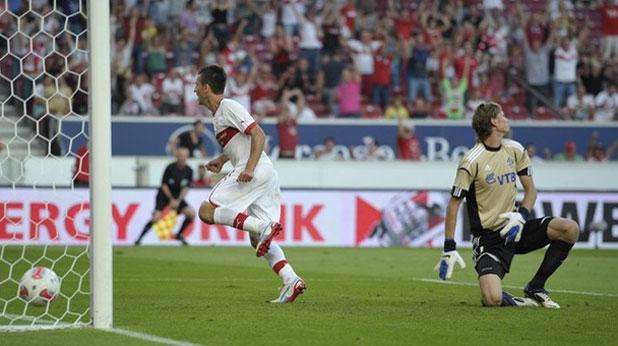 Ведад Ибишевич вкара головете за победата на Щутгарт с 2:0 над Динамо (Москва) в първи мач от плейофите на Лига Европа на 21 август 2012