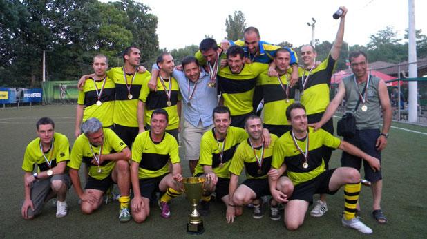 Хеттрик, шампион, Форумна лига, сезон 2011/12