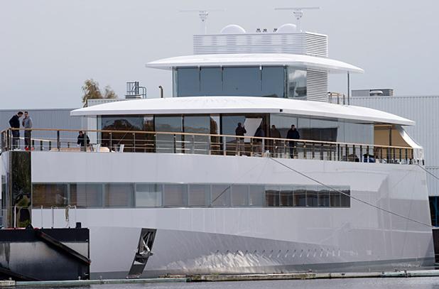 Яхтата на Стийв Джобс