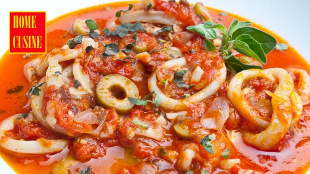 калмари с доматен сос