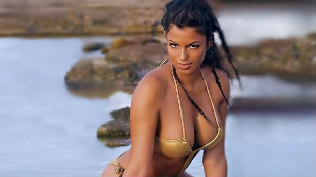 Сара Томази, Италия