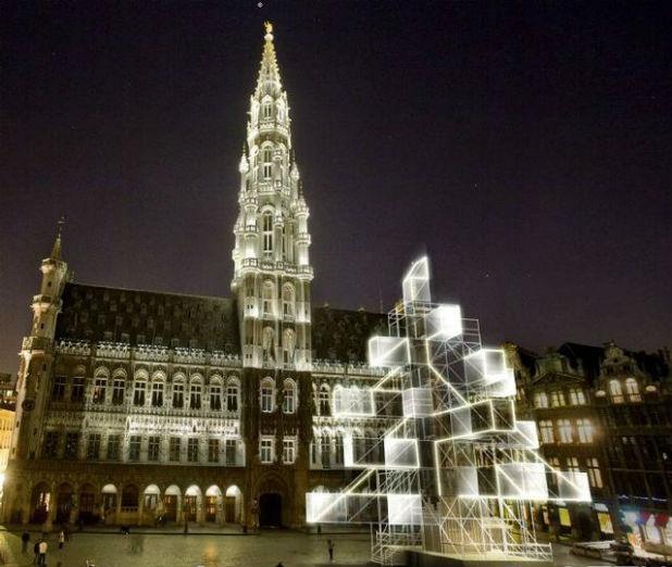 Електронна елха в Брюксел