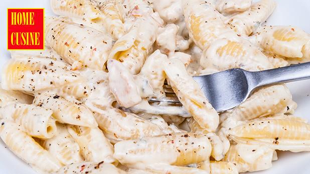 паста с пиле и синьо сирене