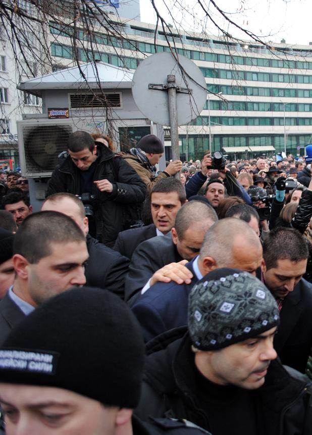 Бойко Борисов подаде оставка