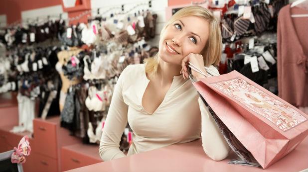 Жена в магазин за бельо