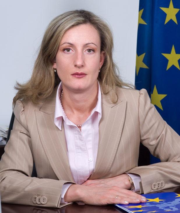 Зинеида Златанова