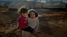 Сирийски деца в бежански багер