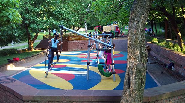 Детска площадка НДК