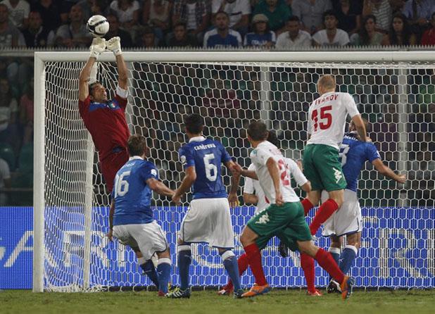 Буфон спасява срещу България, световна квалификация