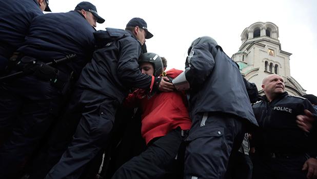 12 ноември,протест,сблъсъци 12 ноември