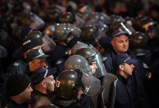12 ноември, полиция, протести, робокопи