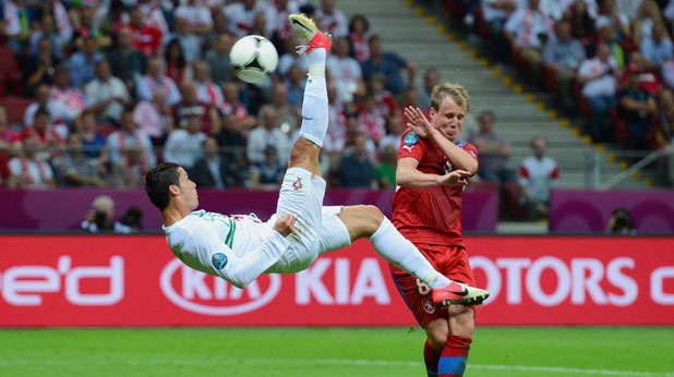 Роналдо води Португалия към победи